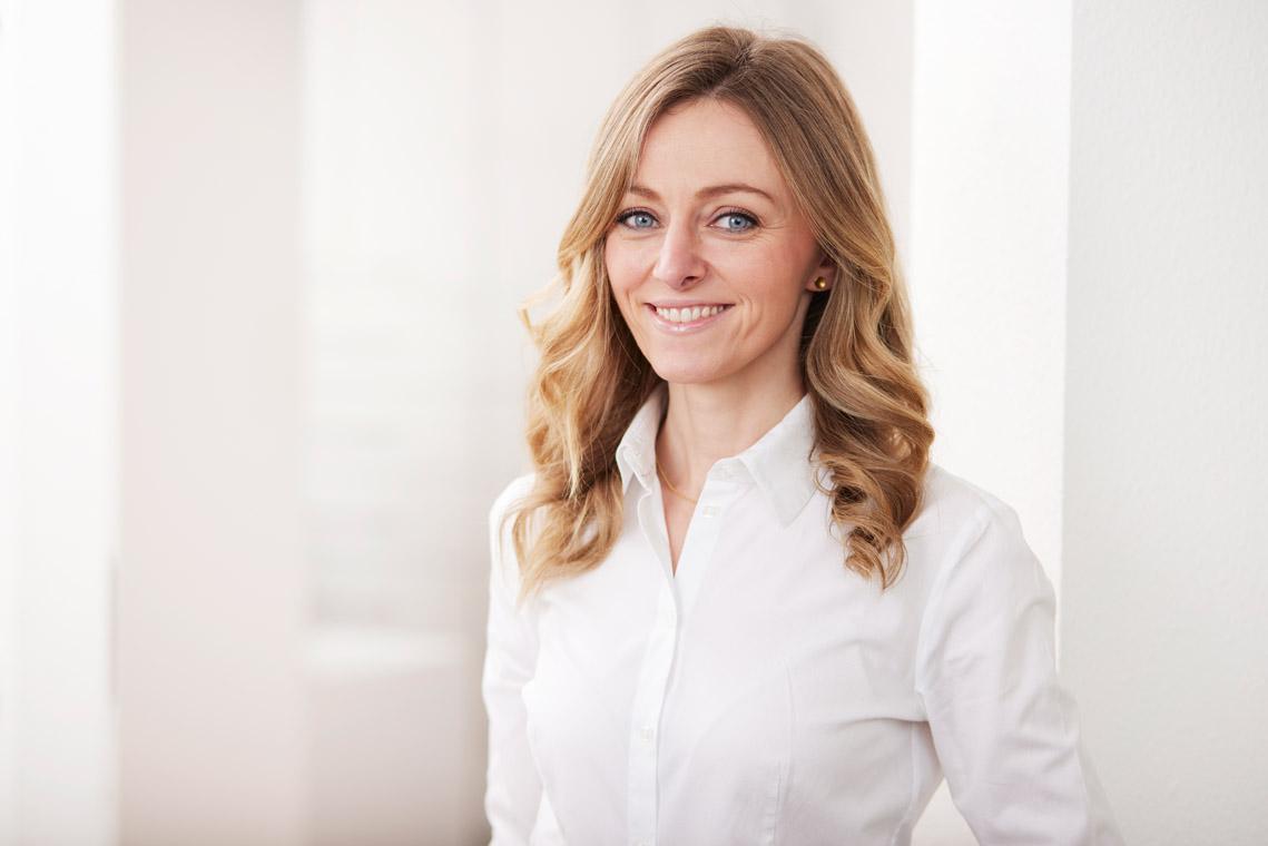 Dr Luzie Schmitges